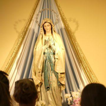 Anglia odda się Maryi
