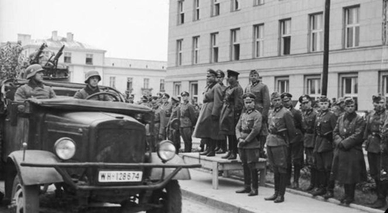 14 września 1944 roku. Armia czerwona całkowicie zajmuje prawobrzeżną część Warszawy