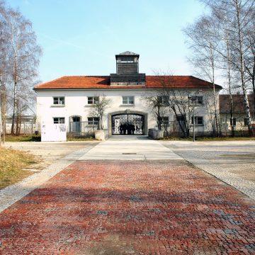 Boże Narodzenie w niemieckich obozach koncentracyjnych w latach 1939-1945 we wspomnieniach polskich więźniów